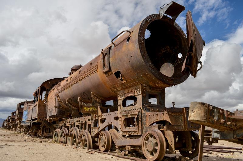 uyunitrainlocomotive